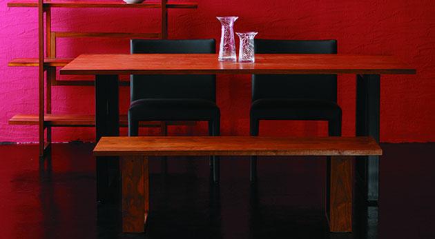 オイルフィニッシュのダイニングテーブル