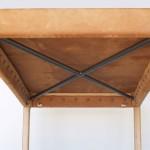 革張りテーブル