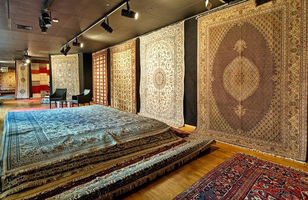 ペルシャ絨毯を買う人