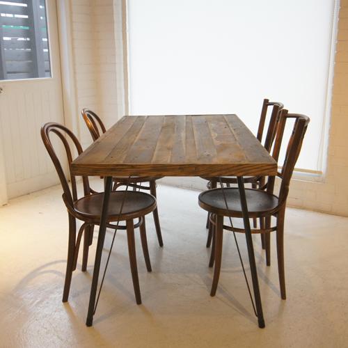 フランクテーブル
