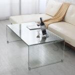 シンプルでフレームレスなオールガラステーブル