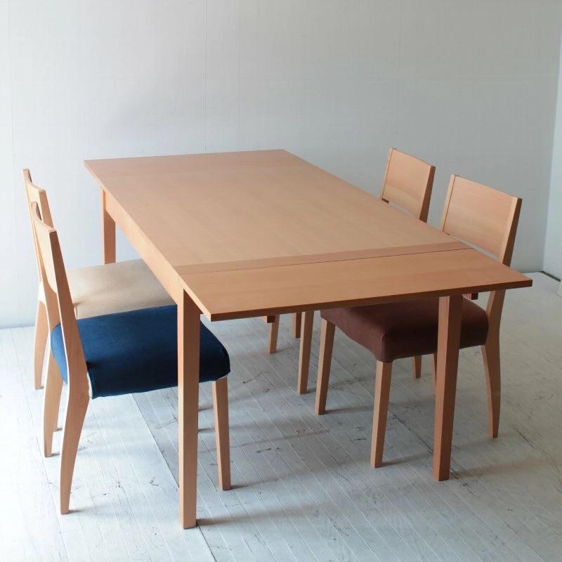 北欧系のサイズで悩まない伸張式テーブル