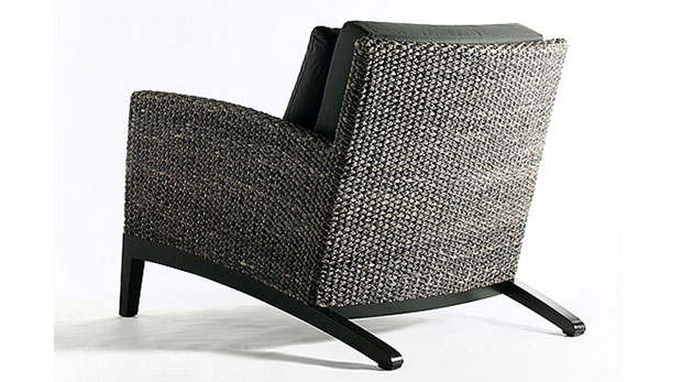 ZECU ARM CHAIR